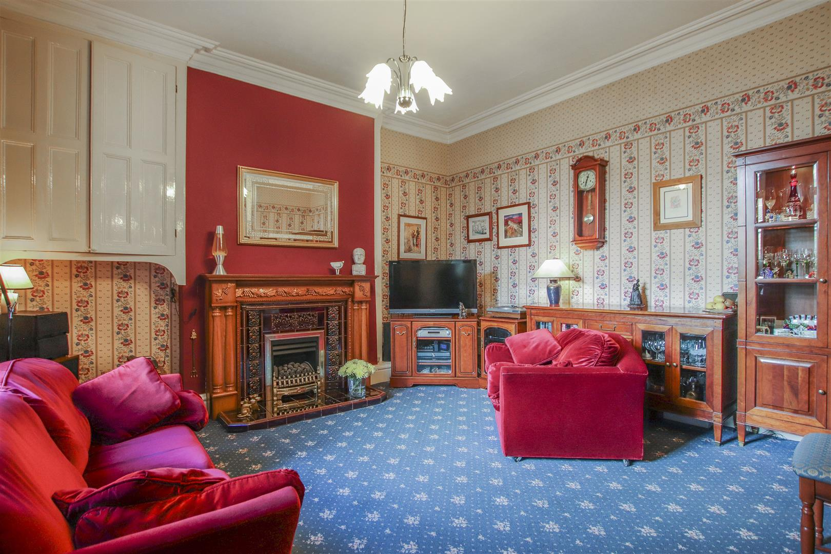 3 Bedroom Mid Terrace House For Sale - 9.JPG